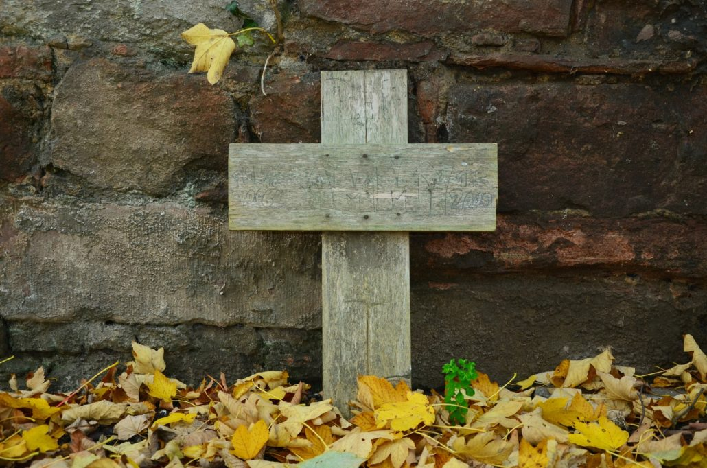 grave-1412362_1920